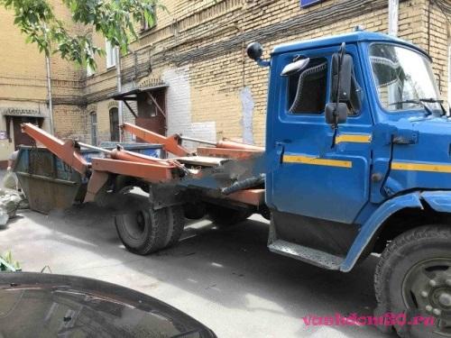 Грузчики строительный мусорфото262